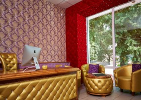 Каретная стяжка мебели в дизайне современного интерьера